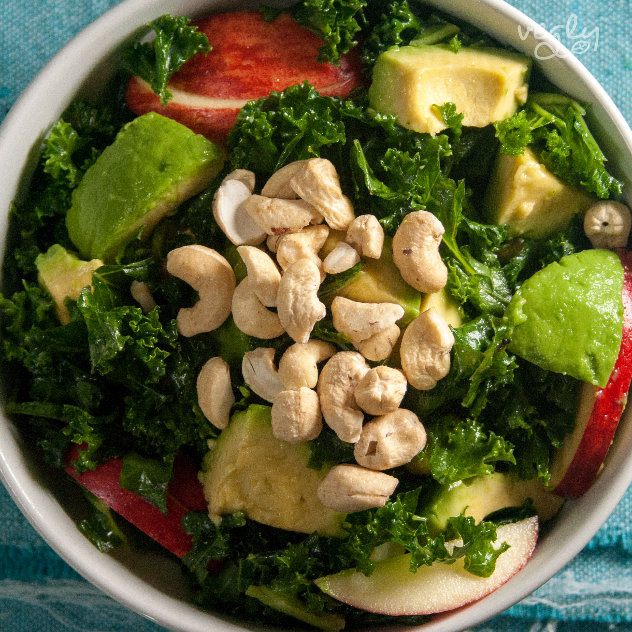 Kale and Cashew Salad Recipe